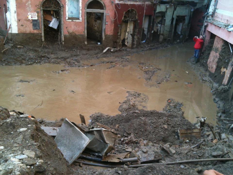 cinque terre flood