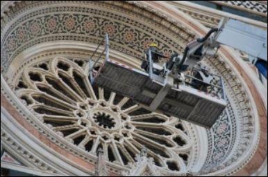 italy travel alert restoration duomo